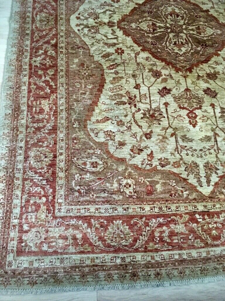 Very Large Wool Rug 9ft 4ins By 6ft6ins 284cm 200cm Short Pile Cream Soft Pink In Bedlington Northumberland Gumtree