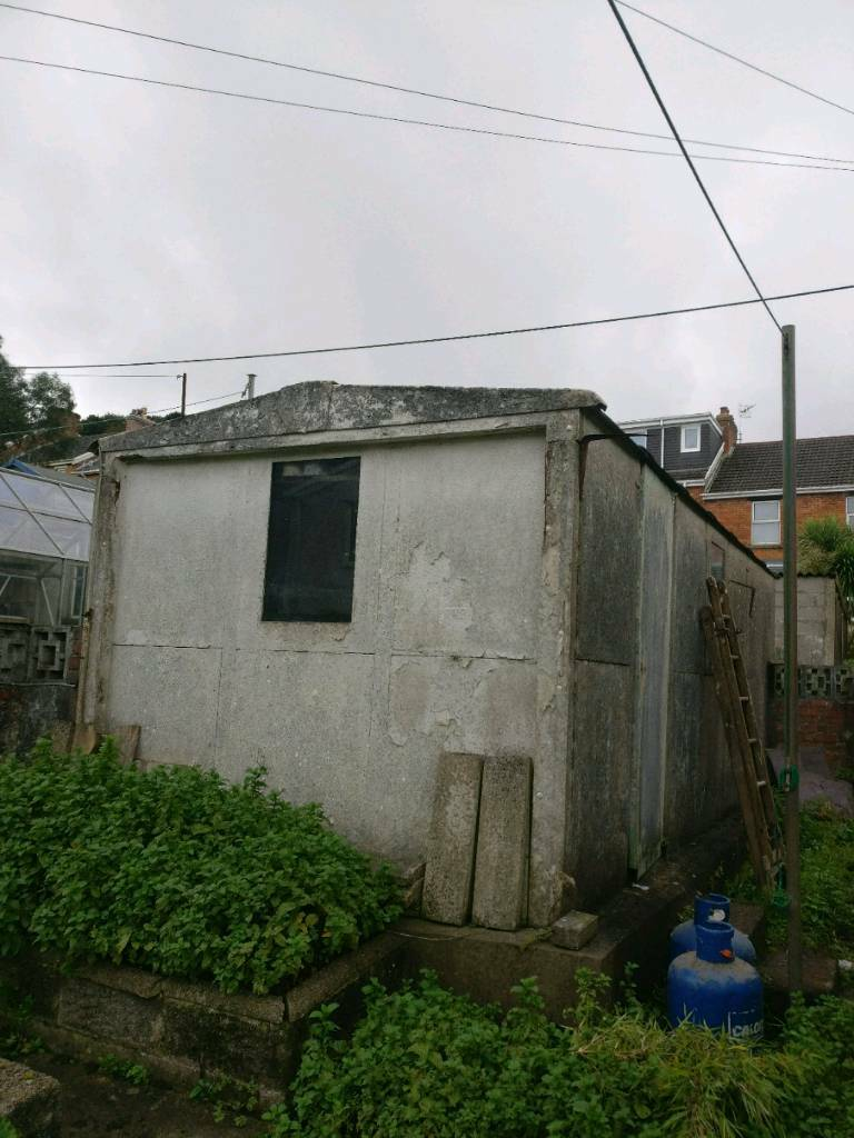 Pre fab concrete garage