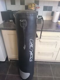 REEBOK 4ft punch / kick bag