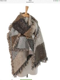 Brown oversized fashion scarf