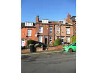 warm and spacious 2 bedroom house for rent. Nice location inside green zone off Kirkstall Road.