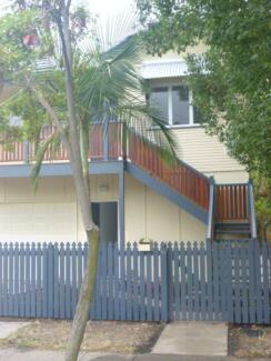 2 rooms avail in Beautiful Renovated Home Close to City East Brisbane Brisbane South East Preview