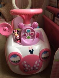 Mini mouse car