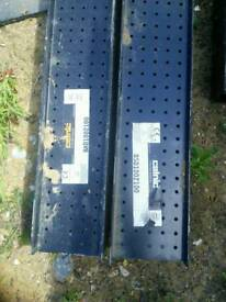 Catnic internal box lintel BSD 1002100 and BHD 1002100