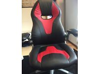 STAPLES Gaming Chair. Urgent clearance!