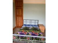 Double room to Rent for vegetarian only.