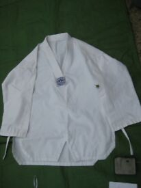 Taekwondo/Judo Juvenile Set for £5.00