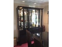 ITALIAN STYLE DINING TABLE & CHAIRS AND DISPLAY CABINET