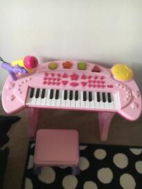 Girls keyboard with stool