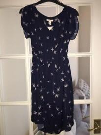 H&M maternity dress Xs never been worn