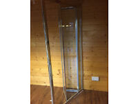 Shower door - hardly used - in excellent condition