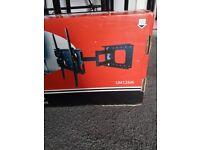 Brand new tv wallmount UM126M