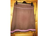 Ladies brown linen skirt with pink detail