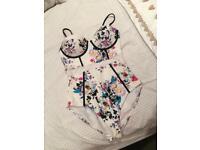 White floral river island swimsuit bikini size 10