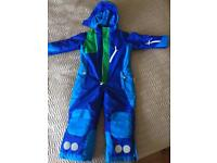 Ski suit and mittens age:5-6