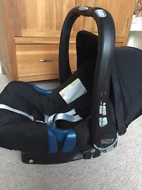 Britax baby carrier, belted car base and rain cover