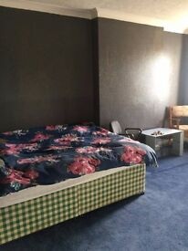 Double room for rent In town centre