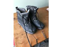 Snow boots, men's, size 11