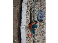 2 hedge trimmers
