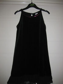 All Occasion Black Dress - Age 5-6 - BEAUTIFUL, SIMPLE & ELEGANT - no ironing!!!
