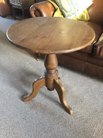 Waxed pine pedestal side table with tripod legs in vgc