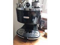 Good condition De'Longhi coffee maker EC0310.BK