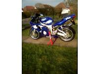 Yamaha r6 THIS BIKE IS MINT TOTALLY STUNNING FOR AGE