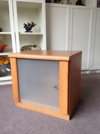 Hi Fi cabinet, for turntable and vinyl storage