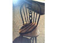 Free wooden chair for upcycling