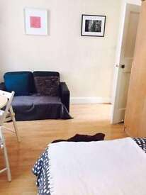 Studio flat in Bourne House, St. Vincent Street, Marylebone, W1U