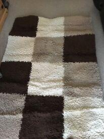 Large pattern rug