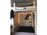 Room for rent July+August