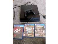 Ps4 with 3 games mint condition