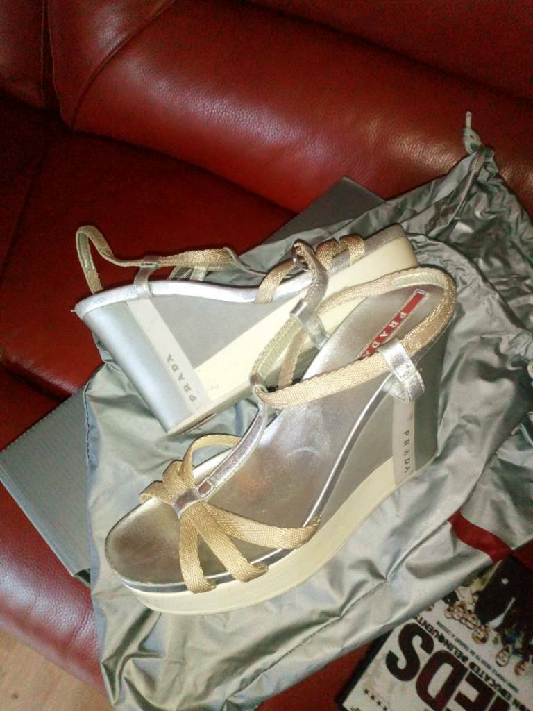 Ladies wedge parada Sandals worn twice
