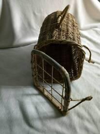 Pigeon wicker basket