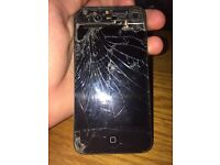 Smashed iPHONE 4S