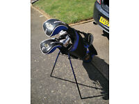 Set of Golden Bear Golf Clulbs and bag