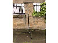 Basic metal mic stand