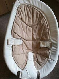 Nuna Leaf Baby Seat - Bisque