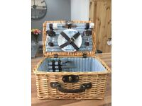 Wicker picnic basket hamper, great condition