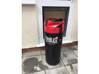 Everlast Hanging Punch / Boxing Bag, 3 Ft, Great Condition, Filled & ready to go. Great for fitness