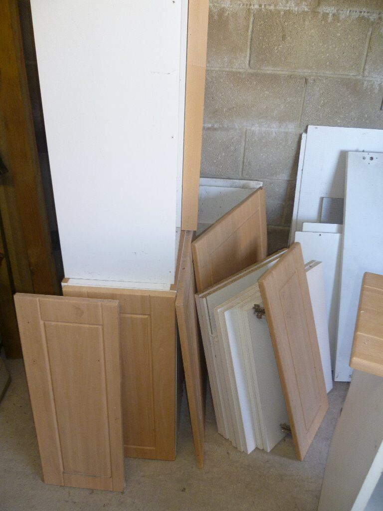 Kitchen cabinet doors frames handles various in for Kitchen cabinets gumtree