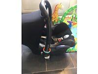 Maxi Cosi Car Seat with hood