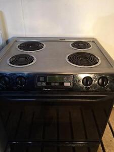 Magic Chef Self Clean Slide In Stove/Range, FREE WARRANTY Delivery Available