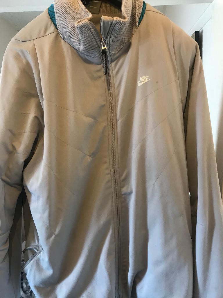 39063186d976 Nike jacket
