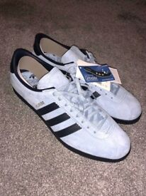 Adidas Berlin reverse colourway UK11