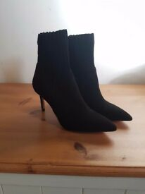 Black suade Zara boots in size 4 (37) Brand New Never worn
