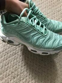 Nike Air Tn's Size 6