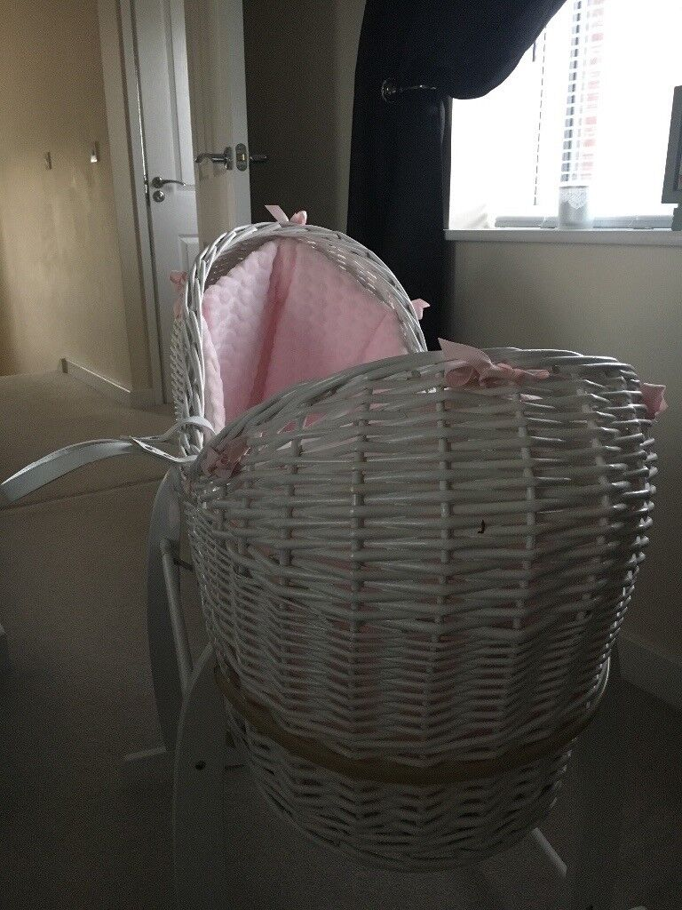 Clair de lune pink and white Moses Basket