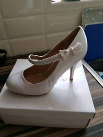 Size 6 wedding shoes